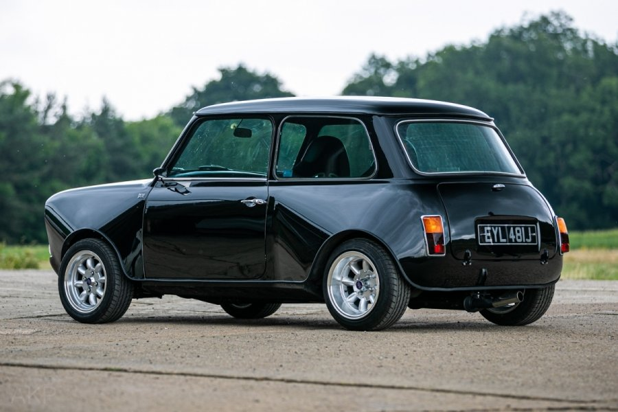 1971 Mini clubman yamaha r1 - fully restored For Sale (picture 3 of 6)