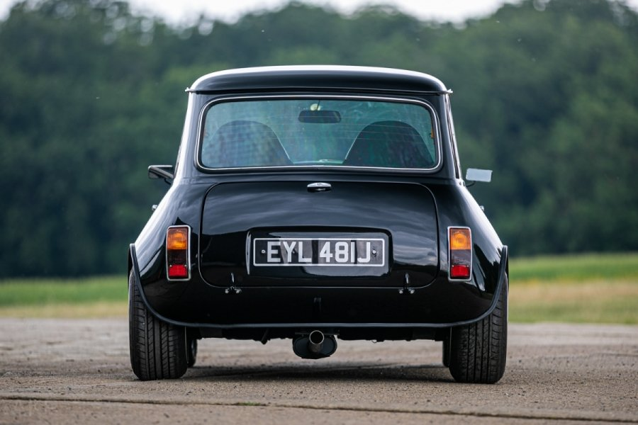 1971 Mini clubman yamaha r1 - fully restored For Sale (picture 4 of 6)