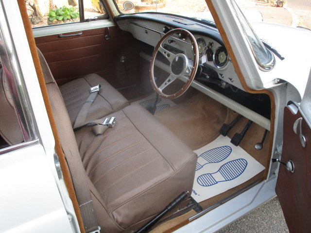 1960 Austin A55 Cambridge Mk2 (Fitted MGB 1800cc Engine) SOLD (picture 4 of 6)