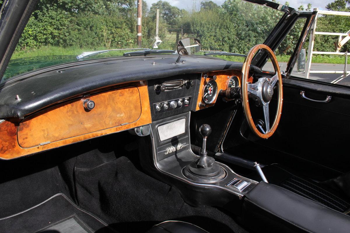 1967 Austin Healey 3000 MK3 Ex Victor Gauntlett C/O Aston Martin For Sale (picture 10 of 18)