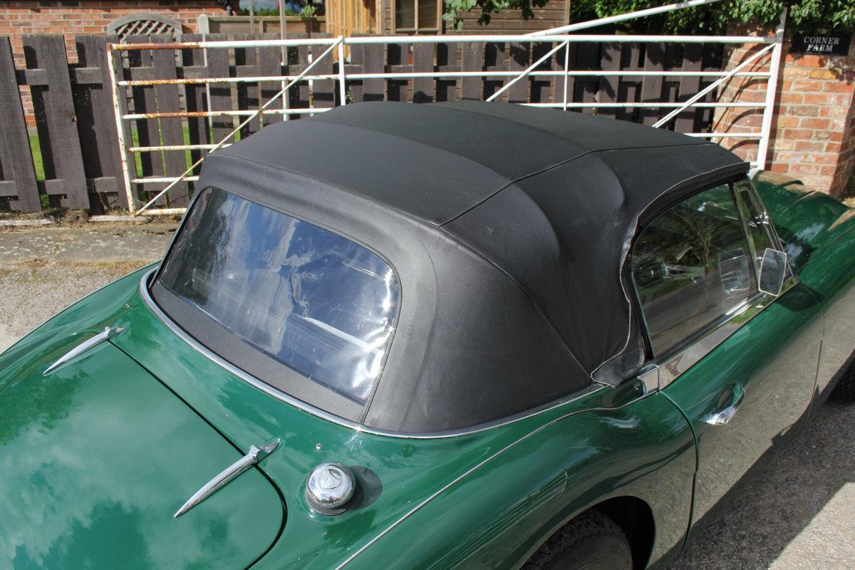 1967 Austin Healey 3000 MK3 Ex Victor Gauntlett C/O Aston Martin For Sale (picture 16 of 18)