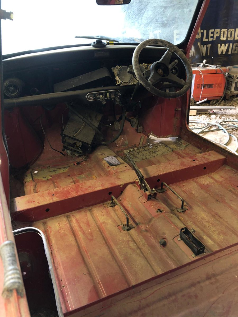 1986 Stripped down Mini  For Sale (picture 2 of 6)