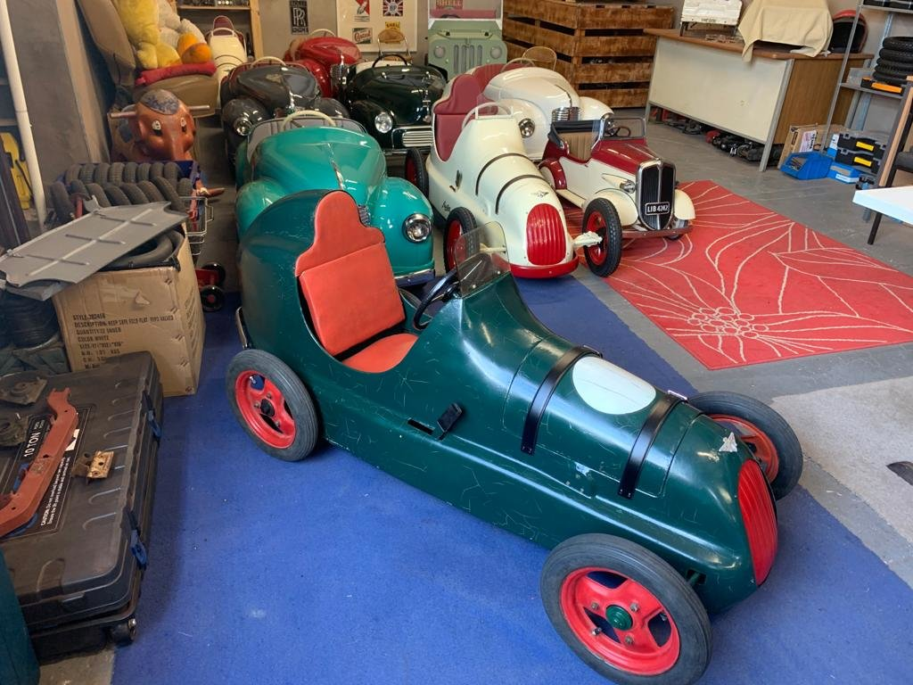 1949 AUSTIN PATHFINDER PEDAL CAR For Sale (picture 1 of 6)