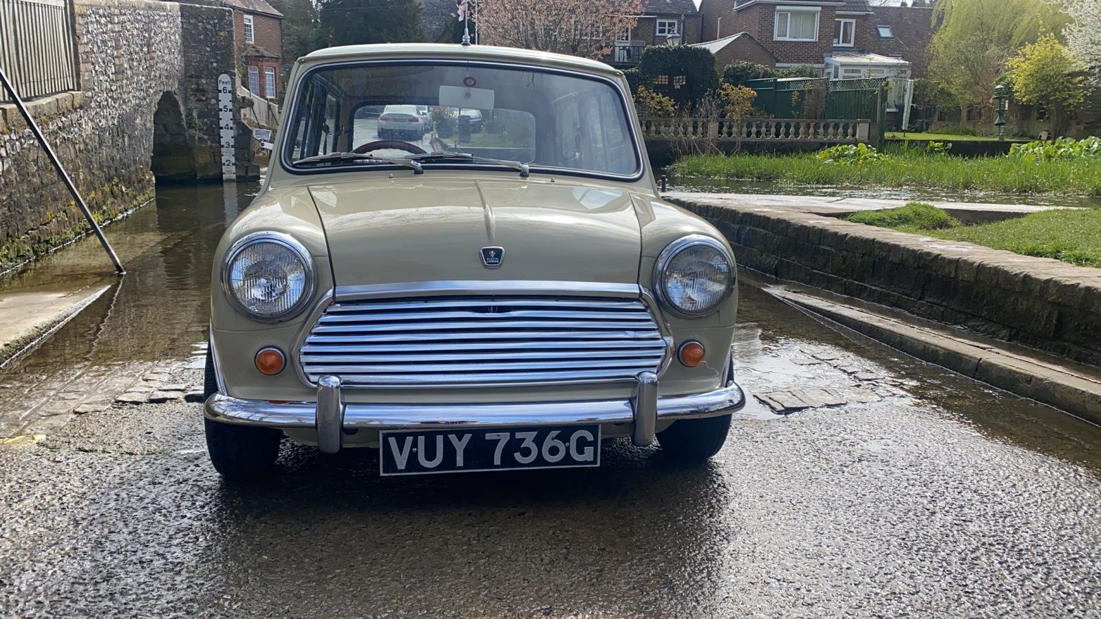 Gorgeous 1968 MkII Mini Cooper For Sale (picture 3 of 12)
