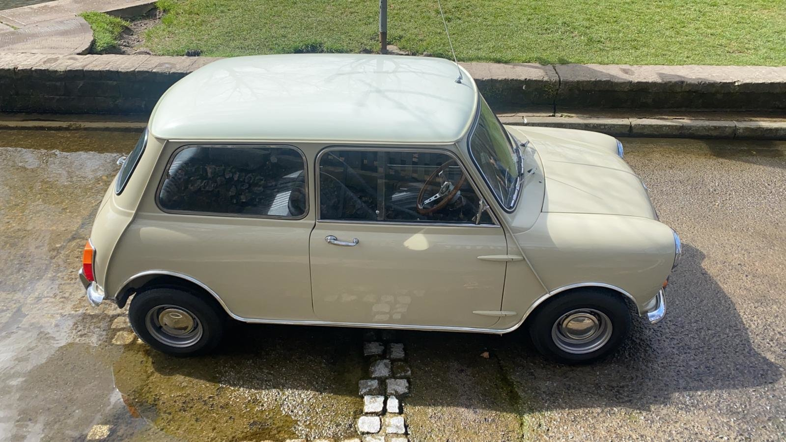 Gorgeous 1968 MkII Mini Cooper For Sale (picture 4 of 12)