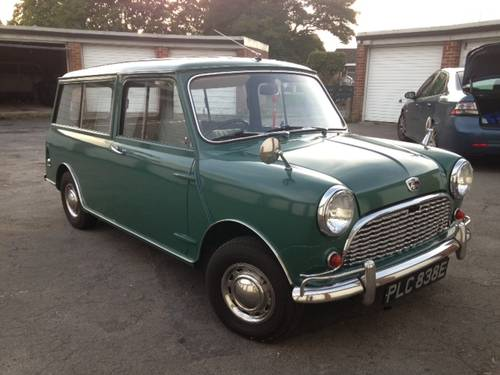 Superb Mini Countryman in almond green 1967 For Sale (picture 1 of 6)