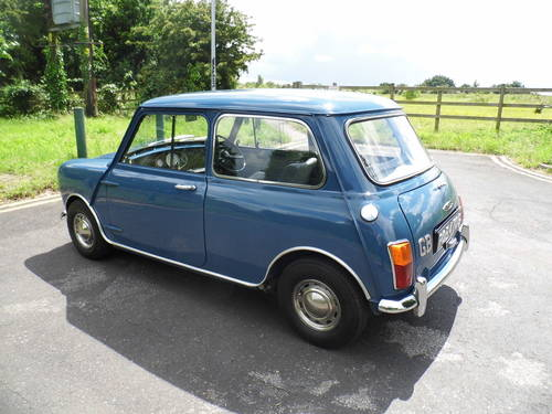 Austin mini saloon 1969 in Island blue ROB  For Sale (picture 3 of 6)