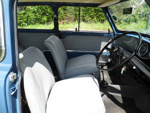 Austin mini saloon 1969 in Island blue ROB  For Sale (picture 5 of 6)
