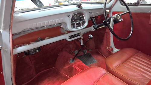 1956 Austin A30 in Cardigan grey with red interior For Sale (picture 4 of 6)