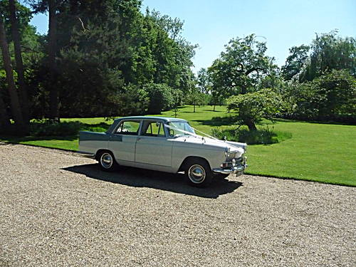 1959 CHAUFFEURED AUSTIN A55 CAMBRIDGE WEDDING CAR For Hire (picture 1 of 6)