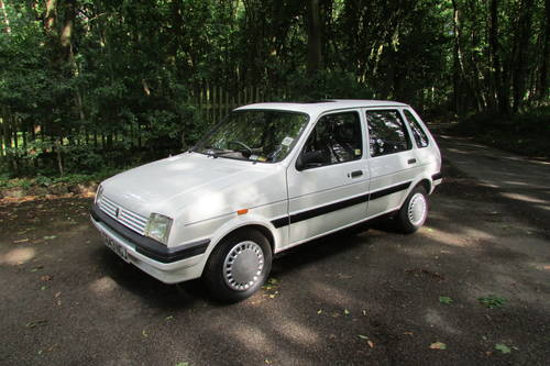 1989 Metro 1275 Manual 16,000 Miles! SOLD (picture 1 of 6)