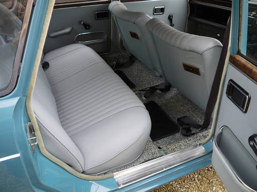 1970 AUSTIN 1800 MK2 SALOON - 31K MILES FROM NEW WITH PAS !! SOLD (picture 5 of 6)