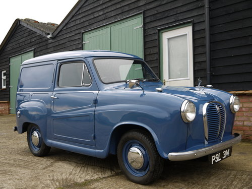 1961 AUSTIN A35 VAN - OUTSTANDING EARLY VAN WITH TRAFFICATORS !! SOLD (picture 1 of 6)