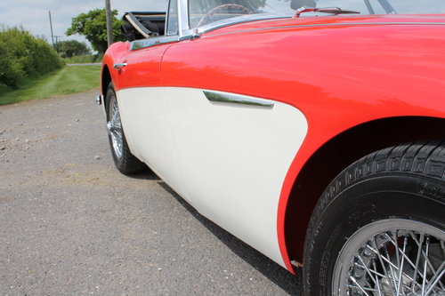 1967 Austin Healey 3000 MK111 BJ8 Phase 11 With Overdrive   SOLD (picture 3 of 6)