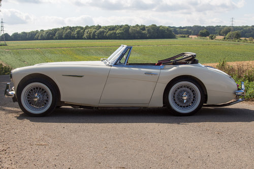 1962 Austin Healey 3000 MKIIA  SOLD (picture 3 of 6)