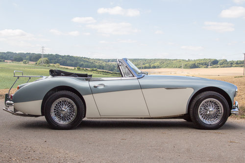 1965 Austin Healey 3000 MKIII | Original Healey Blue, High Spec SOLD (picture 3 of 6)