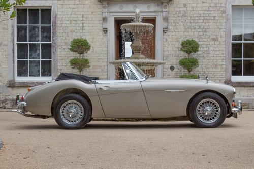 1967 Austin Healey 3000 MKIII | Rare Metallic Gold SOLD (picture 3 of 6)