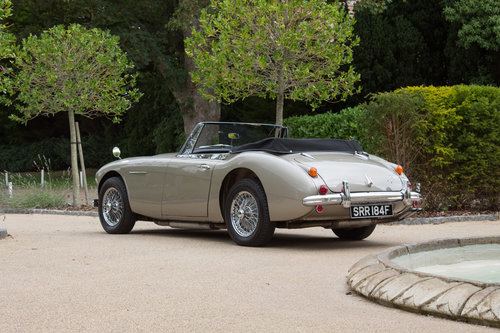 1967 Austin Healey 3000 MKIII | Rare Metallic Gold SOLD (picture 4 of 6)