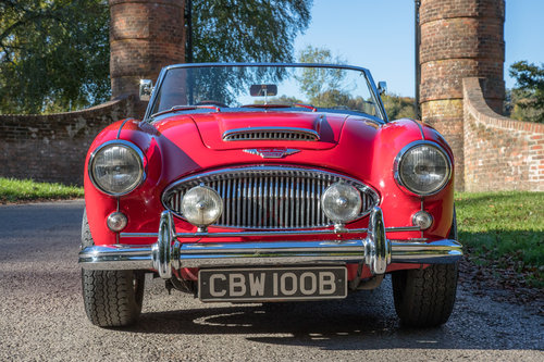 1964 Austin Healey 3000 MkIII BJ8 Phase I | 1 of 108 RHD cars SOLD (picture 2 of 6)