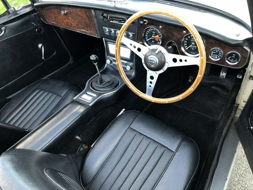 1965 Austin-Healey 3000 MkIII BJ8 SOLD (picture 5 of 6)