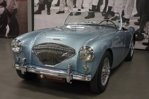1953 AUSTIN HEALEY 100/4 BN1 (NUMBER 402) SOLD (picture 2 of 6)