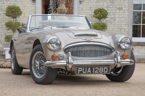 1966 Austin Healey 3000 MkIII BJ8 Phase II | Metallic Healey Gold SOLD (picture 1 of 6)