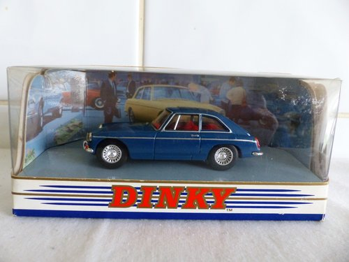 MGB GT & AUSTIN HEALEY  100 BN2-DINKY MODELS For Sale (picture 3 of 6)
