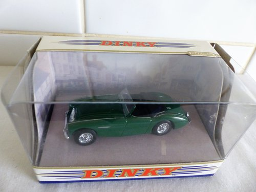 MGB GT & AUSTIN HEALEY  100 BN2-DINKY MODELS For Sale (picture 4 of 6)