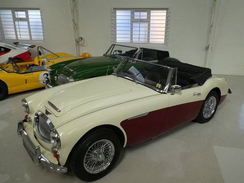 1967 Austin Healey MKIII 3000 BJ8 For Sale SOLD (picture 2 of 6)