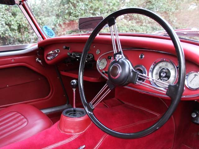 1961 Austin Healey 3000 MKII-2700 miles since nut & bolt rebuild For Sale (picture 4 of 6)
