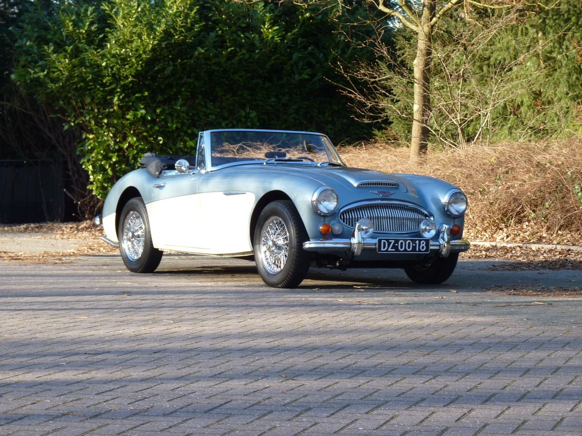 1966 Beautiful restored Austin Healey 3000 MKIII Ph2 Restored! For Sale (picture 1 of 6)