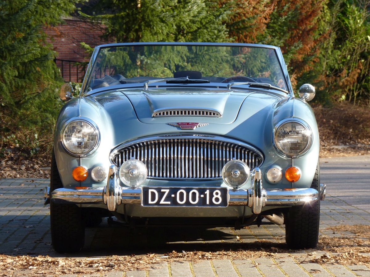 1966 Beautiful restored Austin Healey 3000 MKIII Ph2 Restored! For Sale (picture 2 of 6)