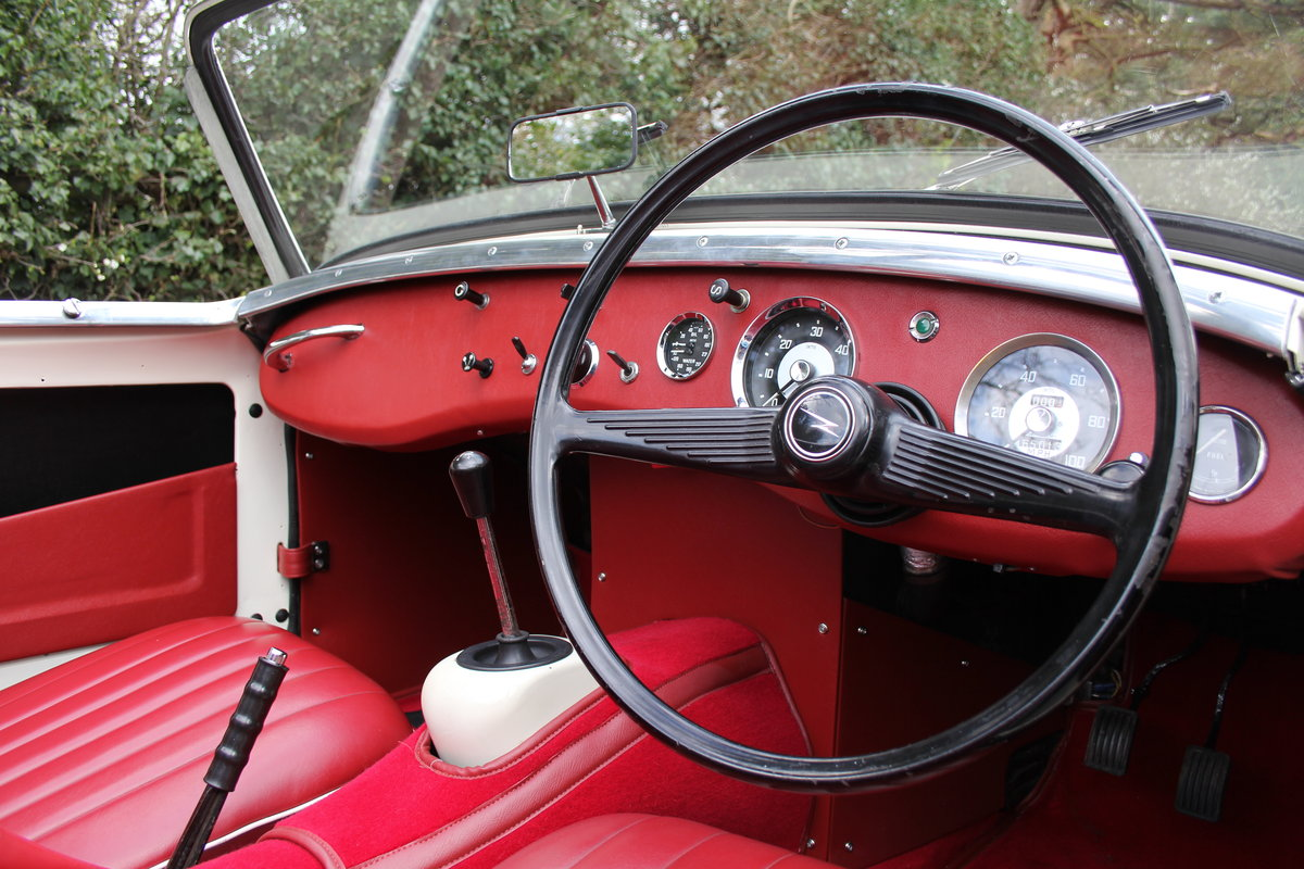 1959 Austin Healey Frogeye Sprite MKI - Excellent re-trim SOLD (picture 7 of 12)