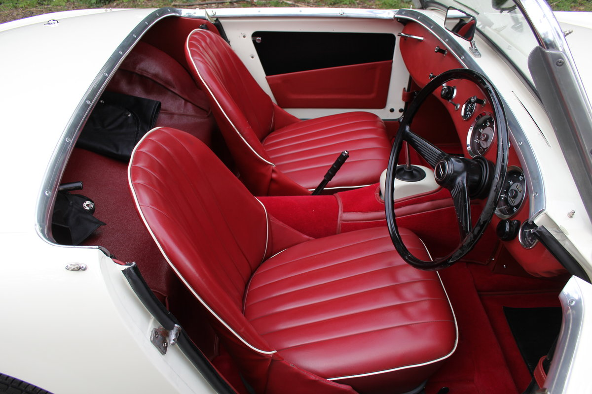 1959 Austin Healey Frogeye Sprite MKI - Excellent re-trim SOLD (picture 8 of 12)