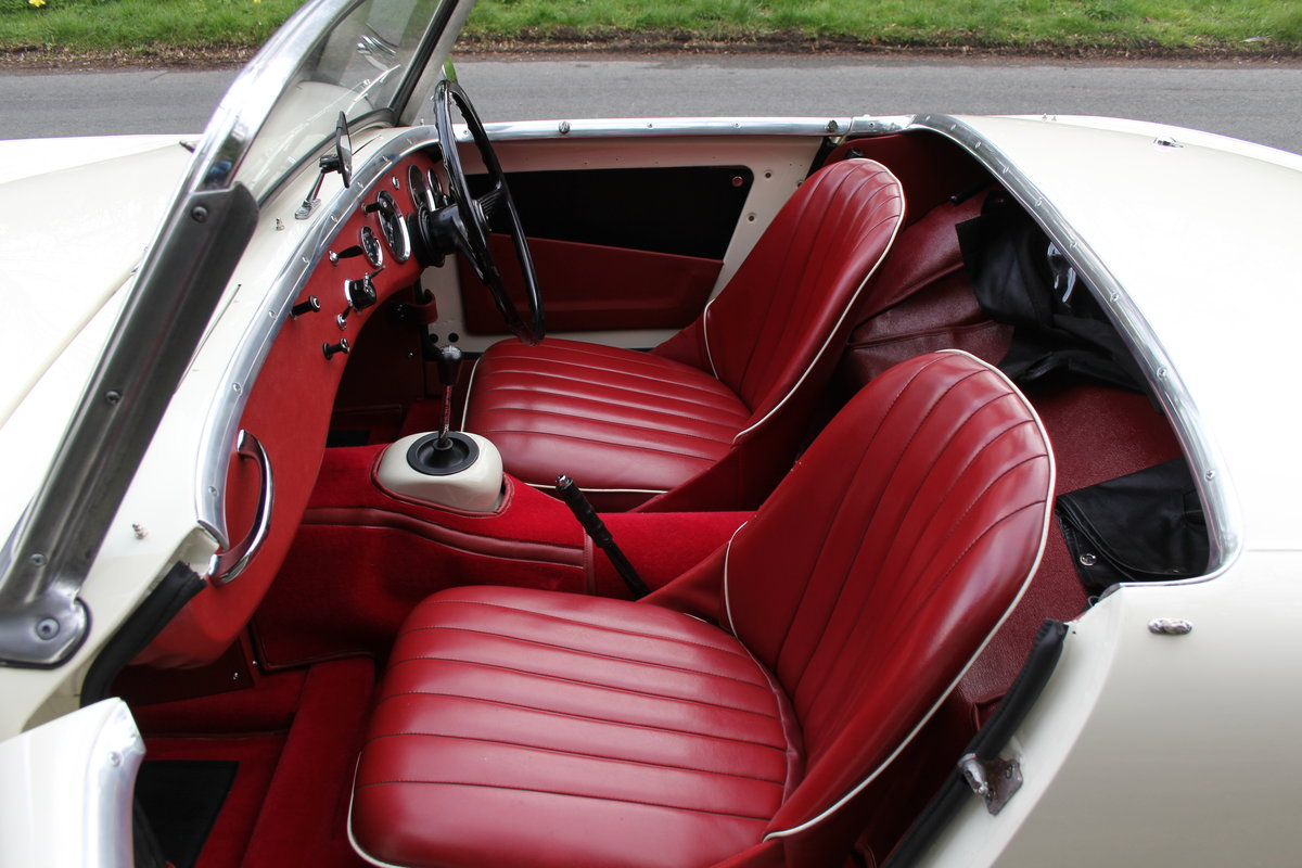 1959 Austin Healey Frogeye Sprite MKI - Excellent re-trim SOLD (picture 9 of 12)