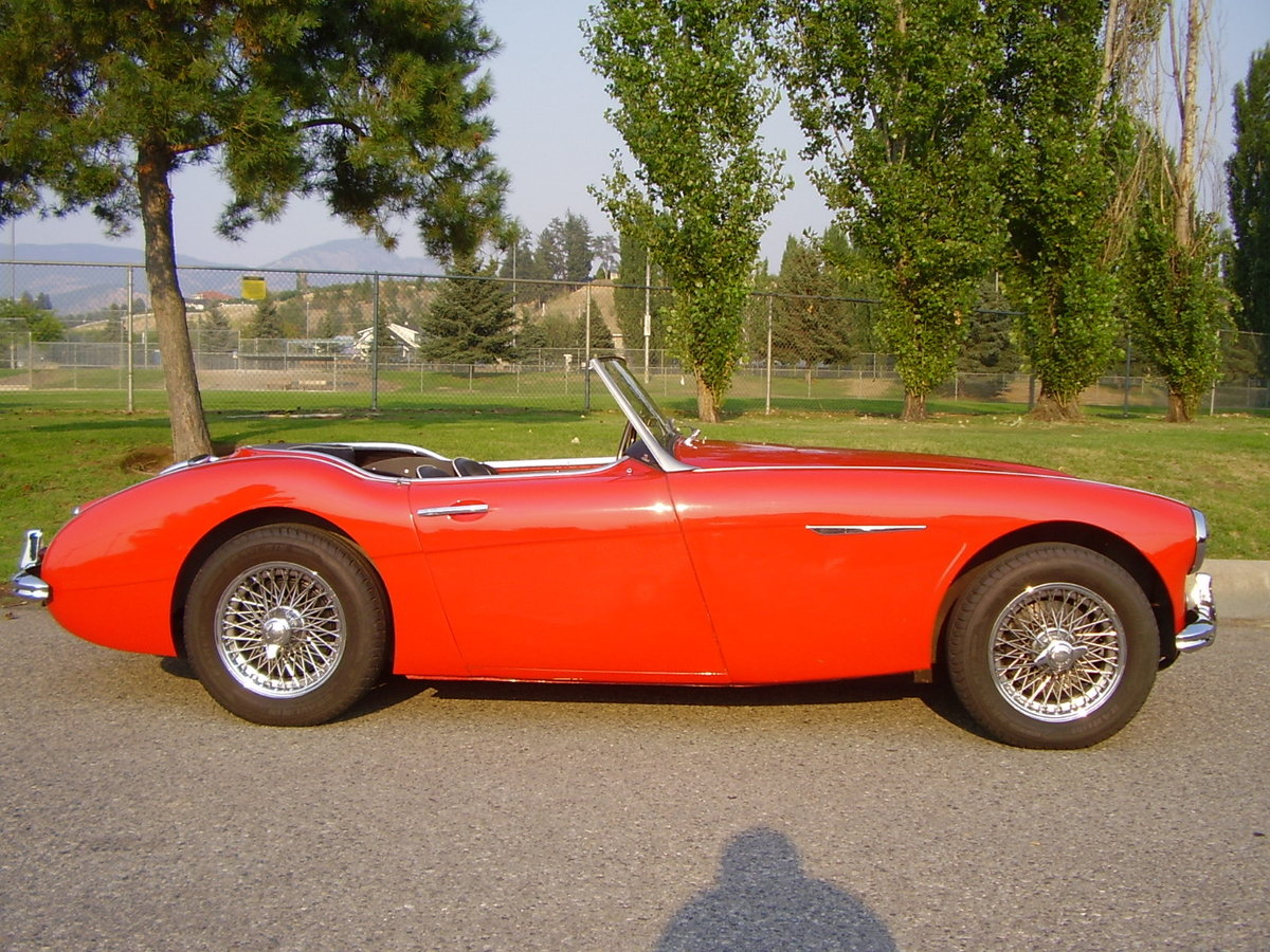 1961 Austin Healey Mark two, tri-carb with centre shift For Sale (picture 2 of 6)