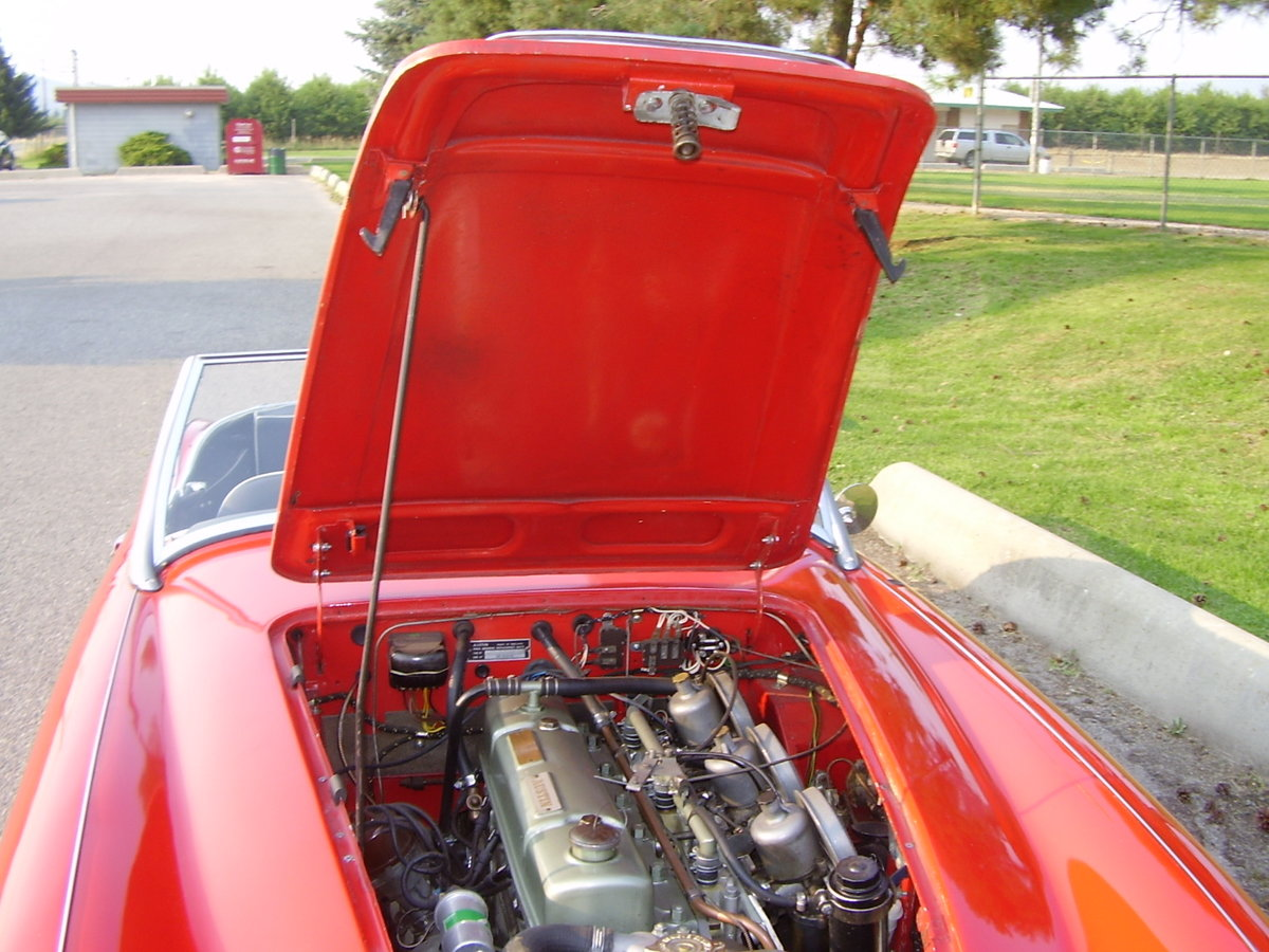 1961 Austin Healey Mark two, tri-carb with centre shift For Sale (picture 5 of 6)