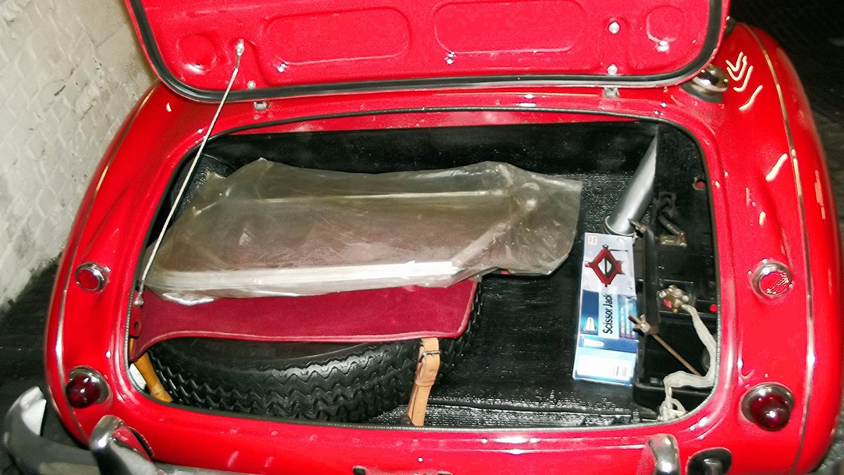1963 AUSTIN-HEALEY 3000 MKII BT7 (FOUR SEATER MODEL) For Sale (picture 6 of 6)
