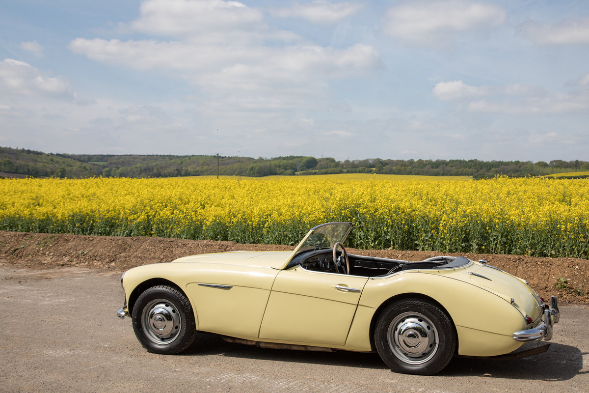 1959 Austin Healey 3000 MkI   Rare Primrose Yellow, UK RHD SOLD (picture 4 of 6)