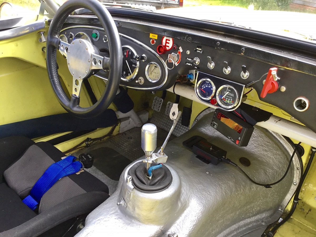 1960 FIA Mk1 Austin Healey 3000 GT racing car For Sale (picture 4 of 6)