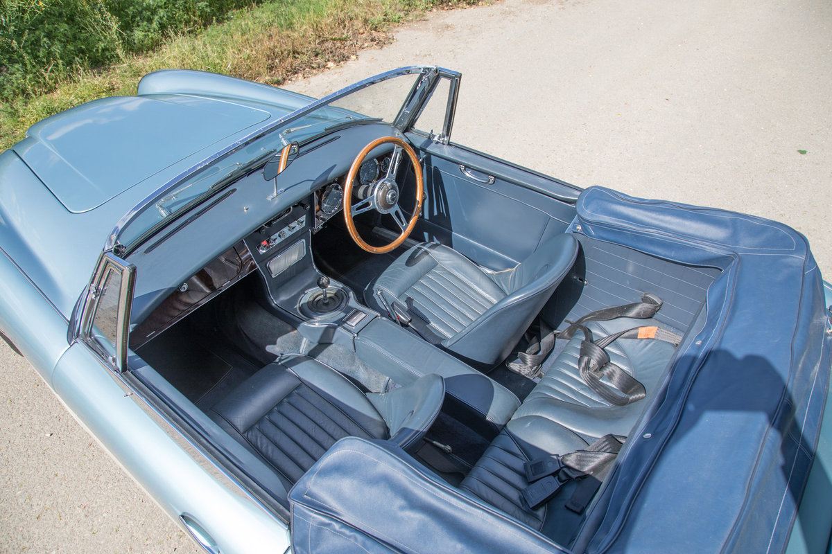 1964 AUSTIN HEALEY 3000 MKIII PHASE I | HEALEY BLUE METALLIC SOLD (picture 4 of 6)