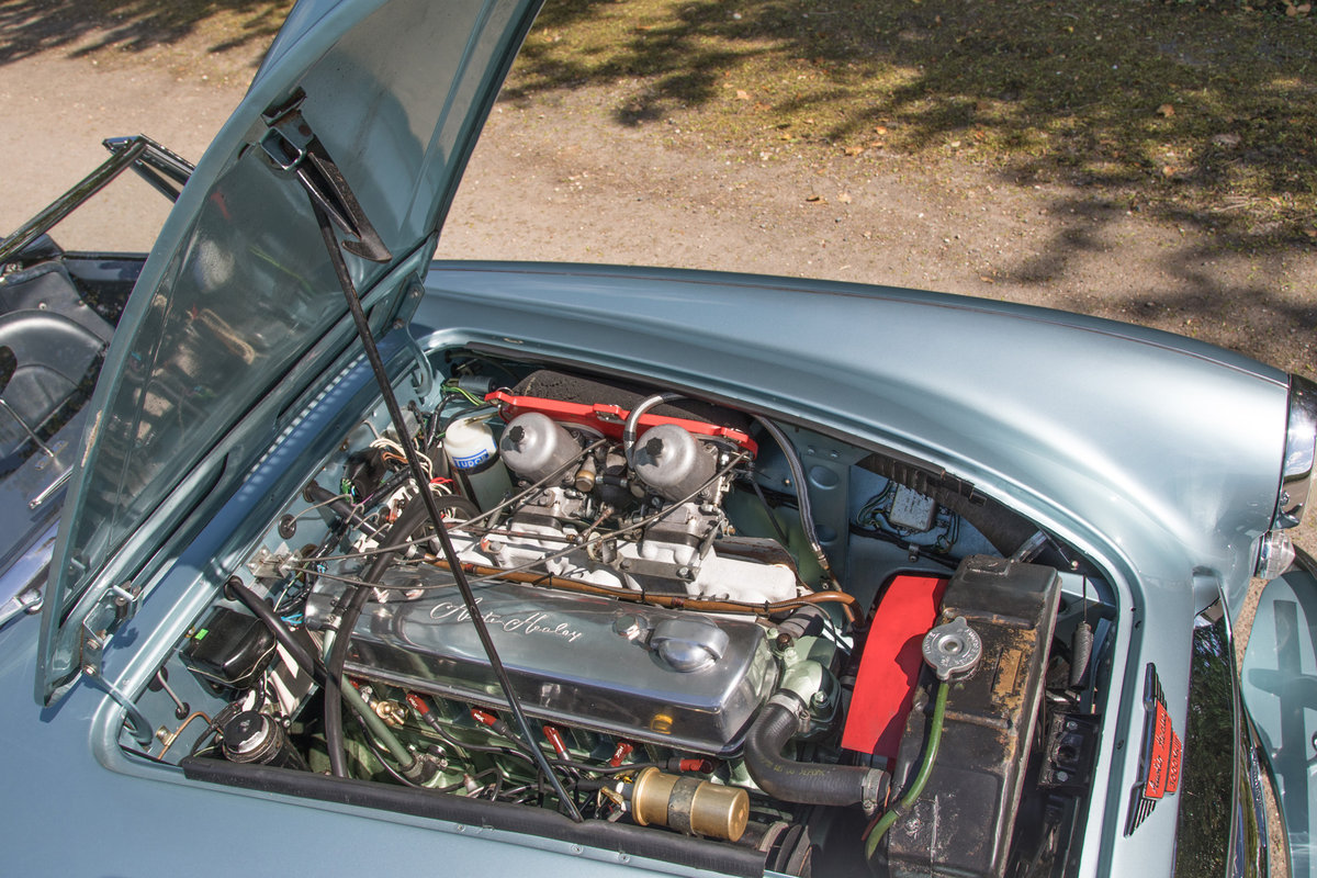 1964 AUSTIN HEALEY 3000 MKIII PHASE I | HEALEY BLUE METALLIC SOLD (picture 5 of 6)