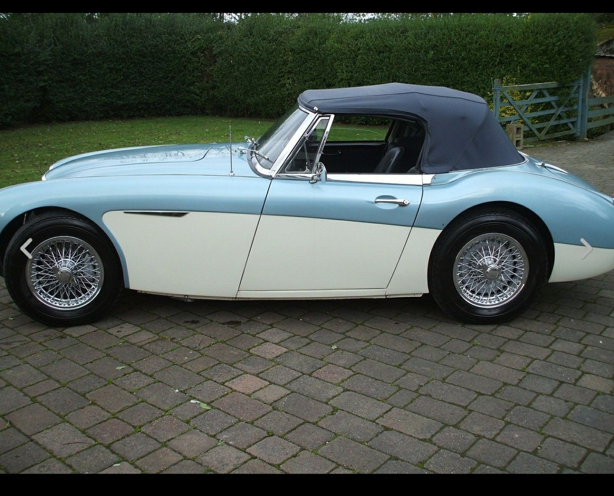 1965 Austin Healey 3000 Mk III BJ8 Phase 2 SOLD (picture 2 of 6)