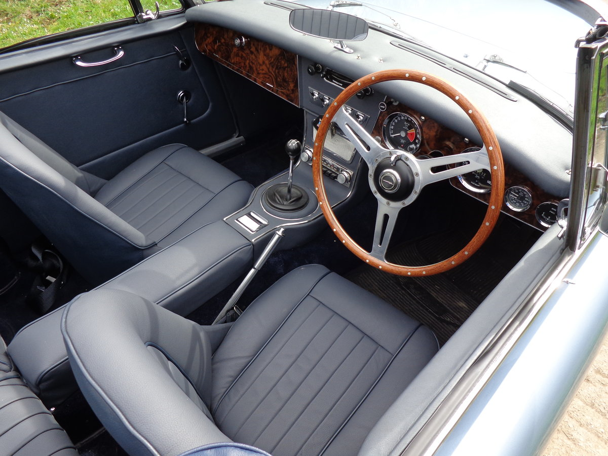 1967 AUSTIN HEALEY 3000 MK 3 PH 2 -  RESTORED TO SHOW STANDARD! For Sale (picture 5 of 6)