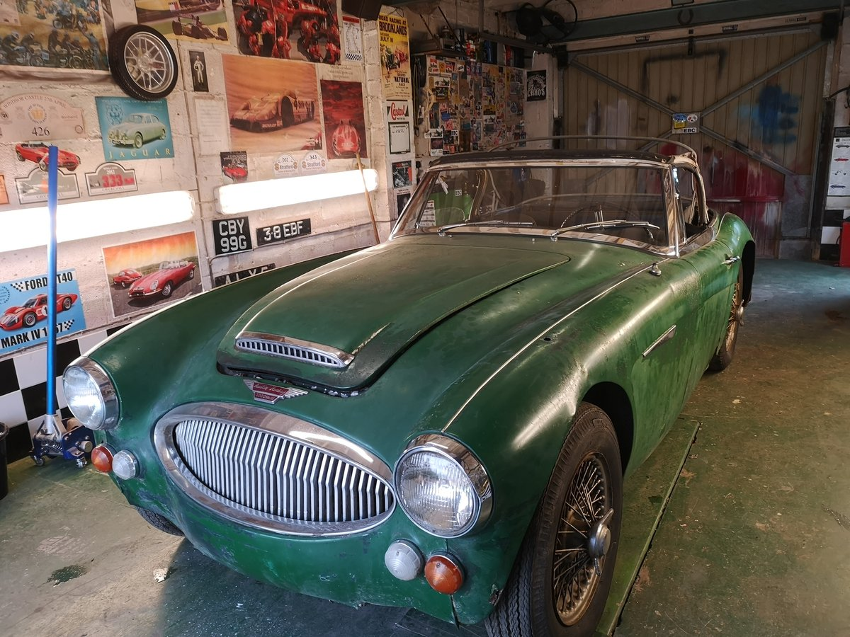 1965 Austin Healey 3000 for restoration For Sale (picture 1 of 6)
