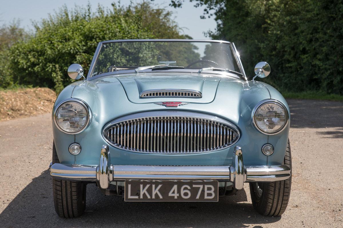 1963 Austin Healey 3000 MkIIA BJ7 | 2019 Repaint, Original Blue SOLD (picture 2 of 6)