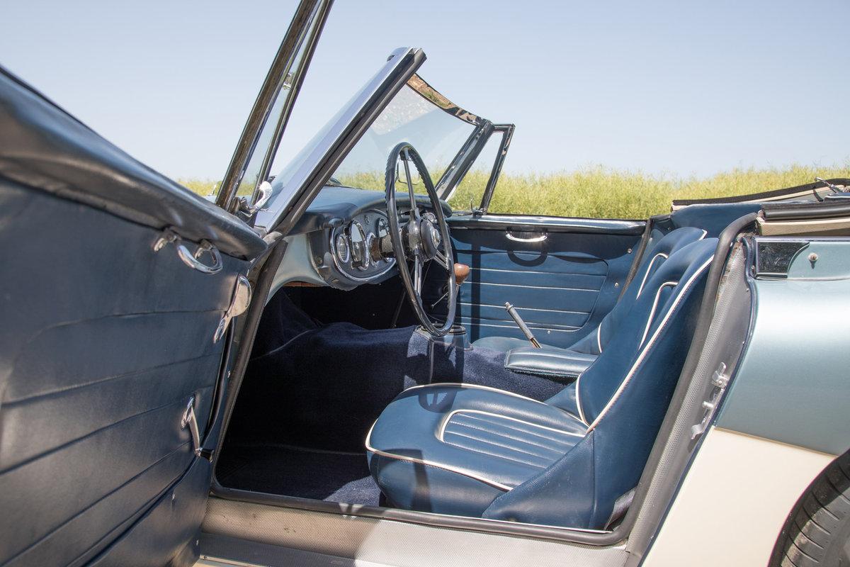 1963 Austin Healey 3000 MkIIA BJ7 | 2019 Repaint, Original Blue SOLD (picture 5 of 6)