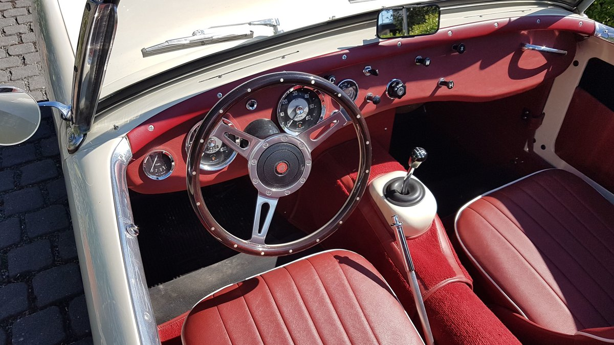 1960 Frogeye Sprite MK I restored to a high standard SOLD (picture 3 of 6)