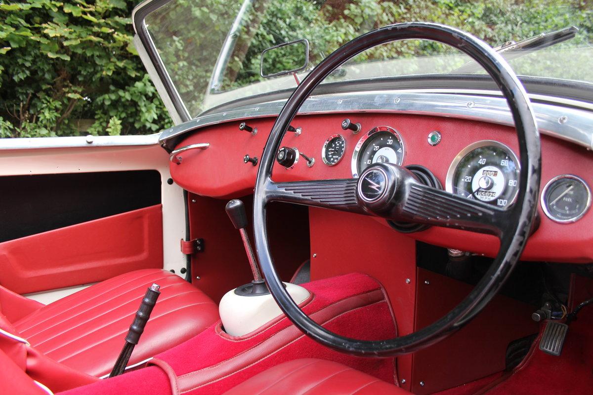 1959 Austin Healey Frogeye Sprite MKI - UK car, Interior Re-trim SOLD (picture 8 of 19)