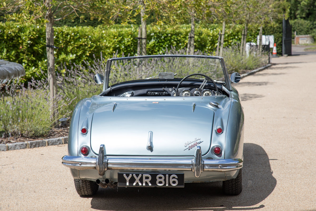1960 Austin Healey 3000 MkI | Original RHD & Original Healey Blue SOLD (picture 4 of 6)